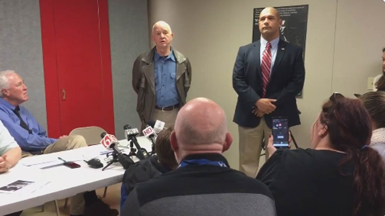 Republican Sheriff Candidate Crashes Tulsa Democrats' Press Conference