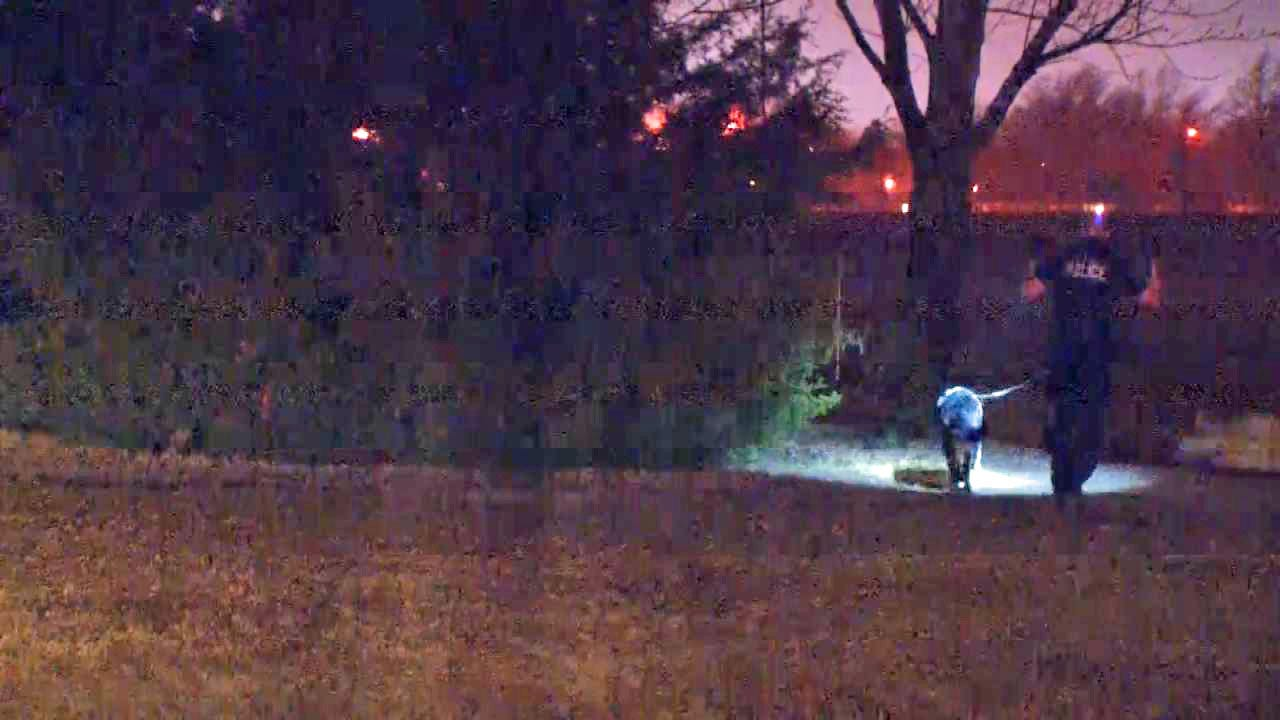 Police Chase Trailer Thieves Into Tulsa Creek