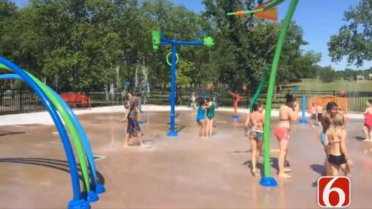 Hulbert Celebrates Splash Pad Grand Opening