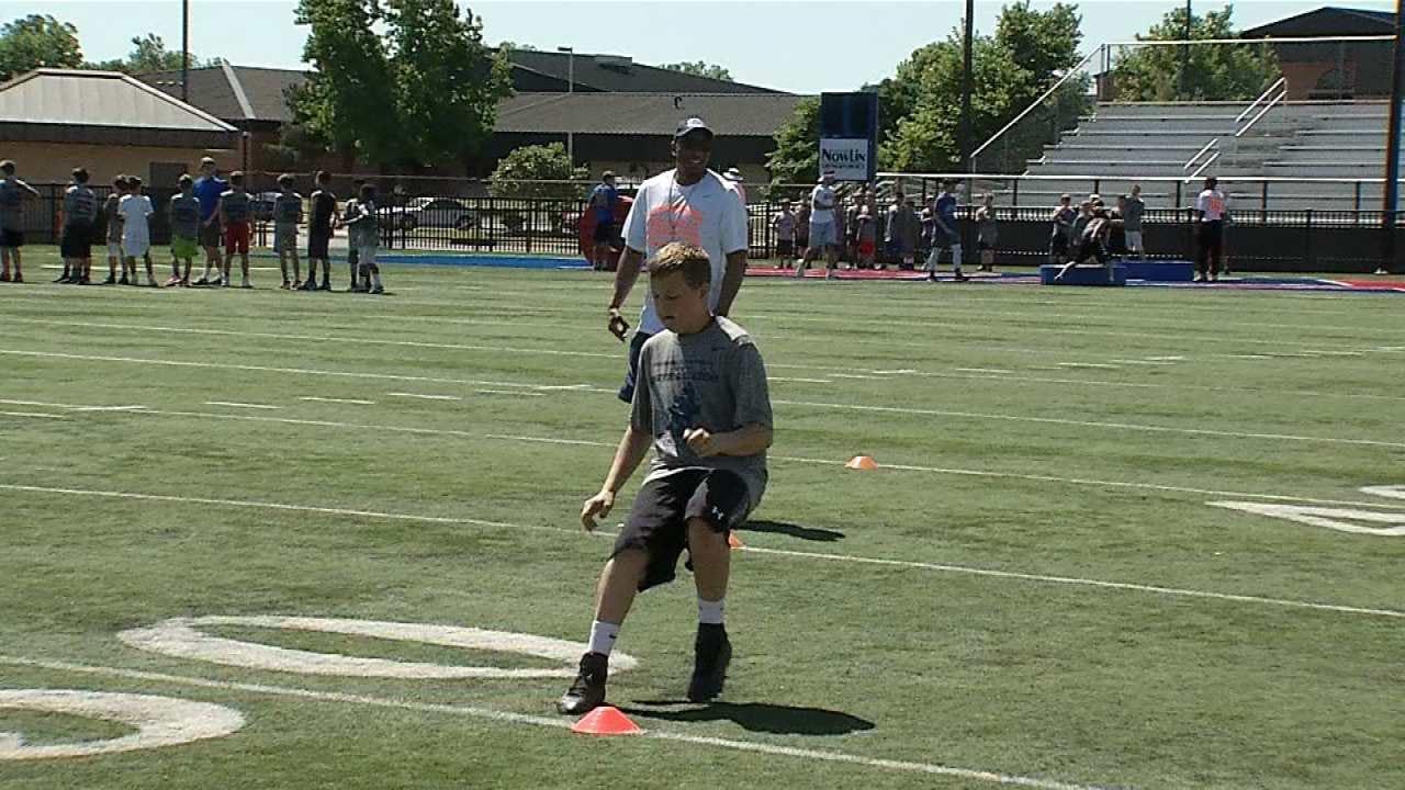 Denver Broncos CB, Bixby Native Chris Harris Jr. Returns Home To Host Football Camp