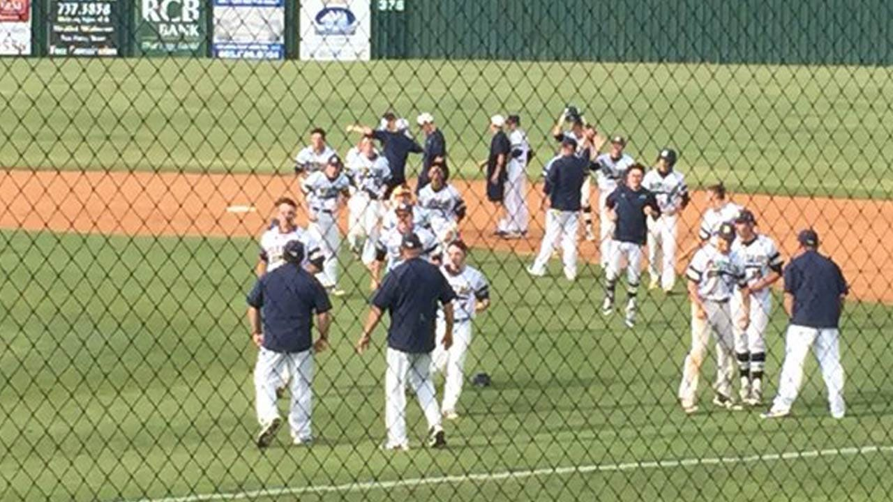 Heritage Hall Beats Berryhill, Becomes 4A State Champion