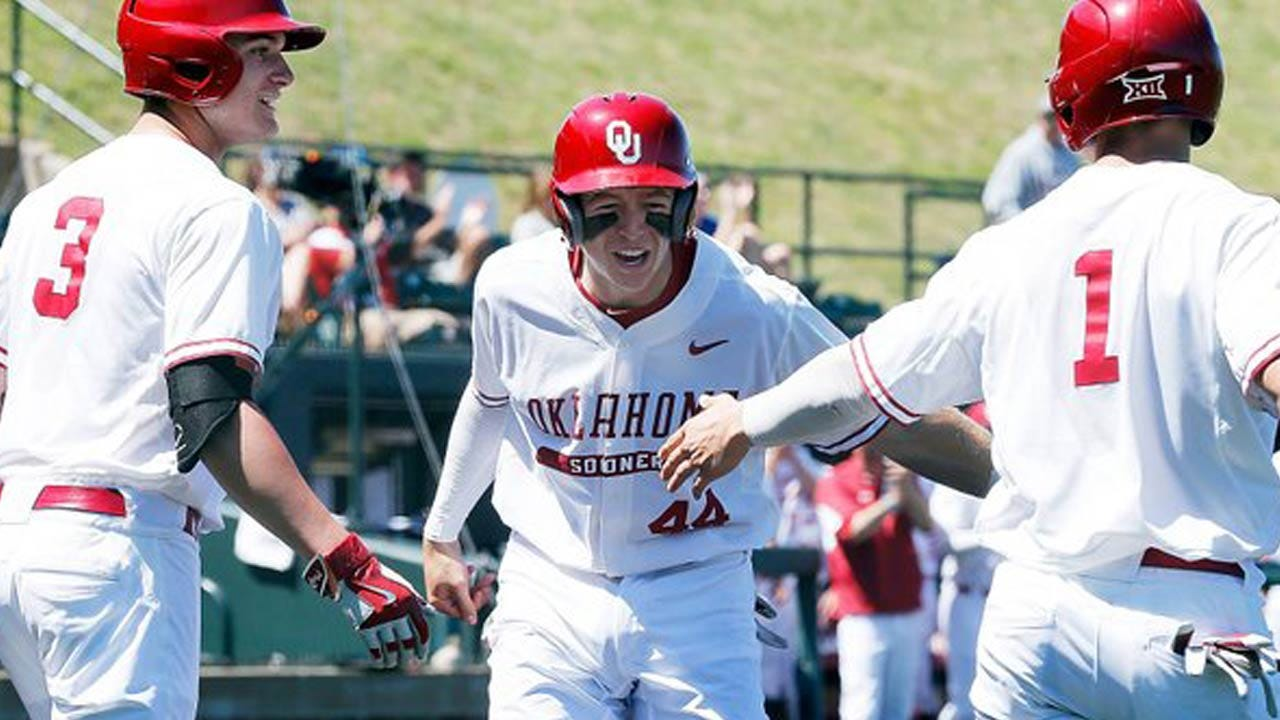 Sooners Sweep Doubleheader At Austin Peay