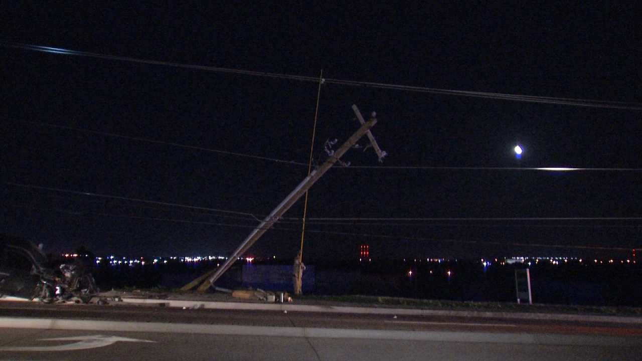 Pair Of Tulsa Car Crashes Knocks Out Power To Thousands