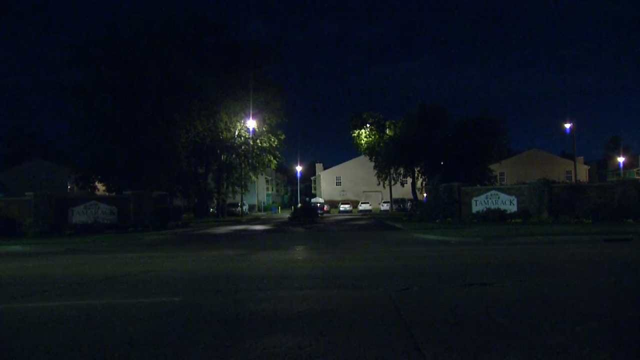Police: Man Robbed At Gunpoint At Tulsa Apartment Complex