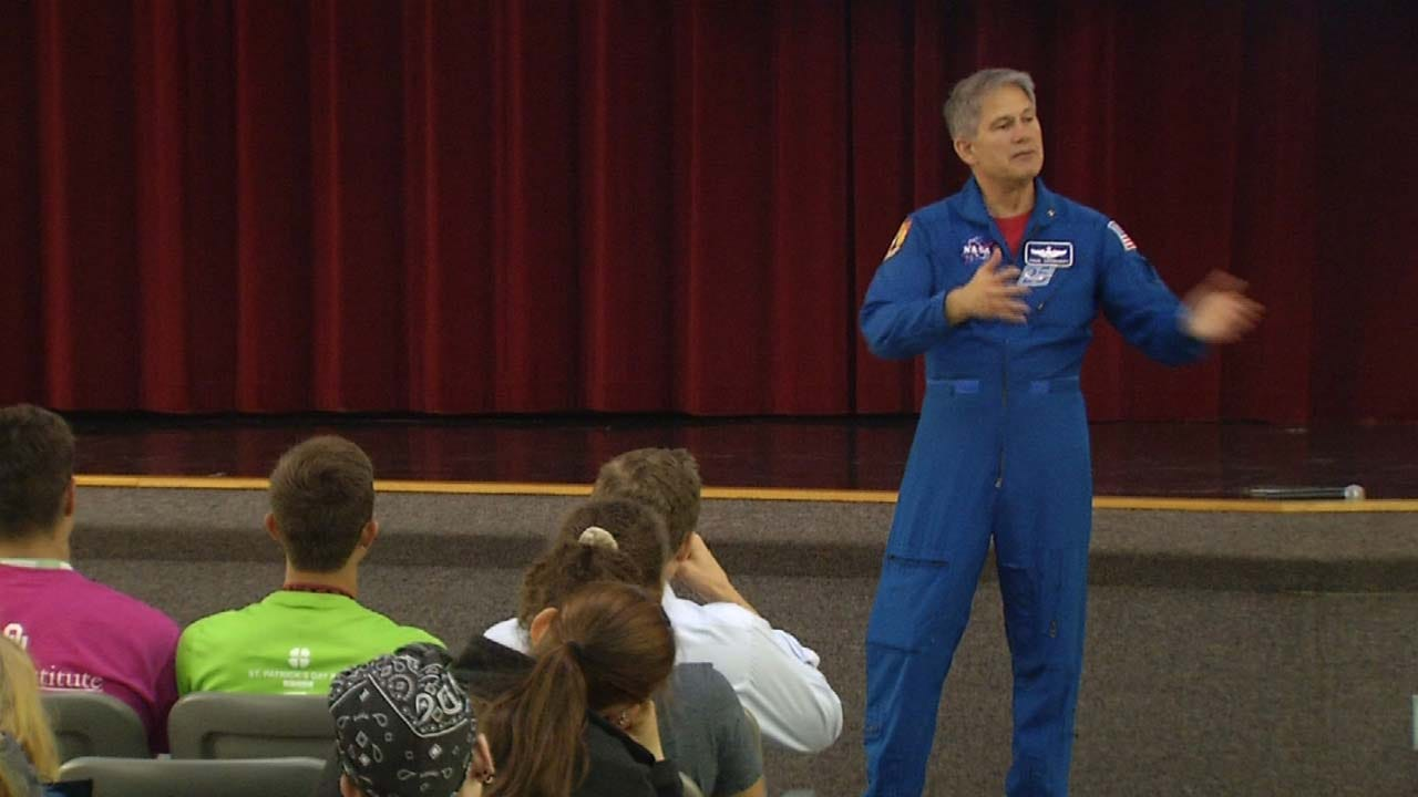 Former NASA Astronaut Speaks To Green Country Students