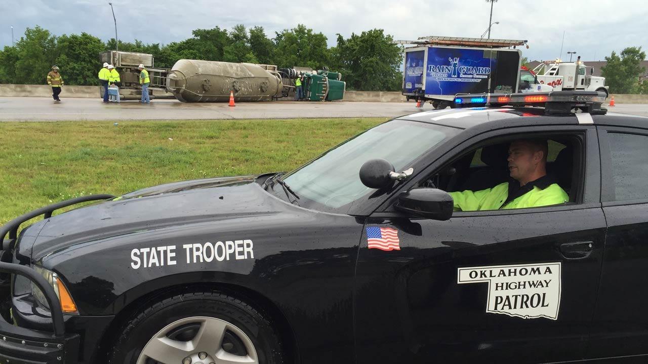 Overturned Semi Snarls Traffic On I-44 In Tulsa