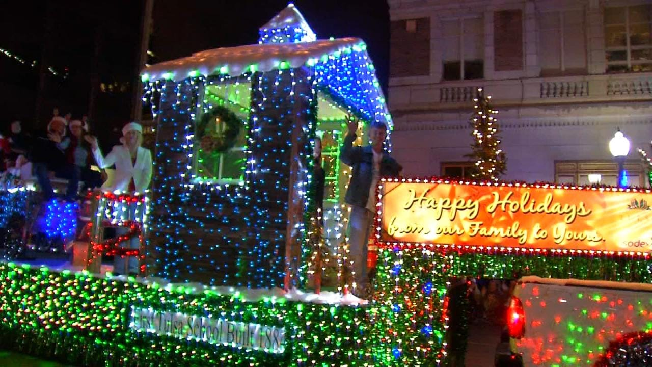 Tahlequah Christmas Parade 2021 Christmas Parade Season Kicks Off In Green Country
