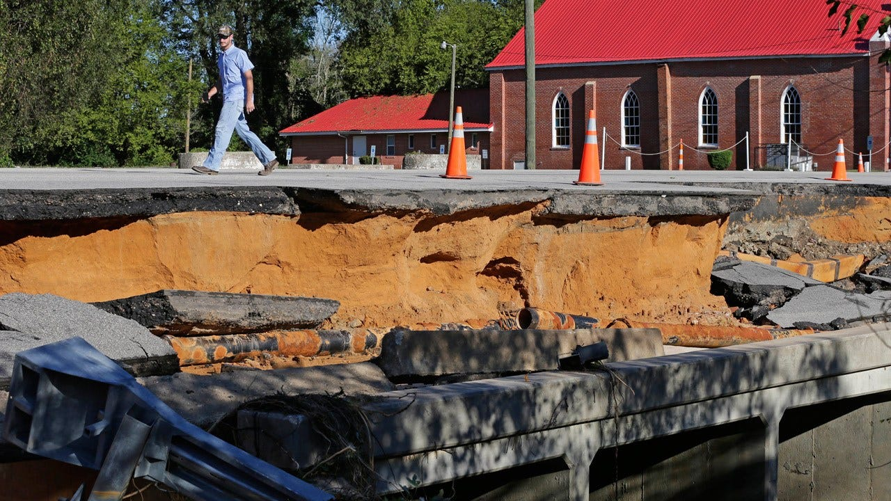 Matthew Flooding Kills At Least 10, Strands 1,500 In North Carolina Alone