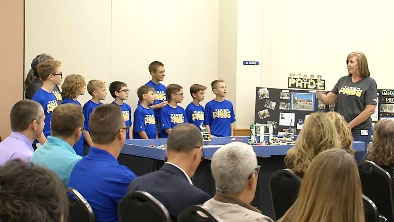 MidAmerica Industrial Park Donates To Mayes County Schools