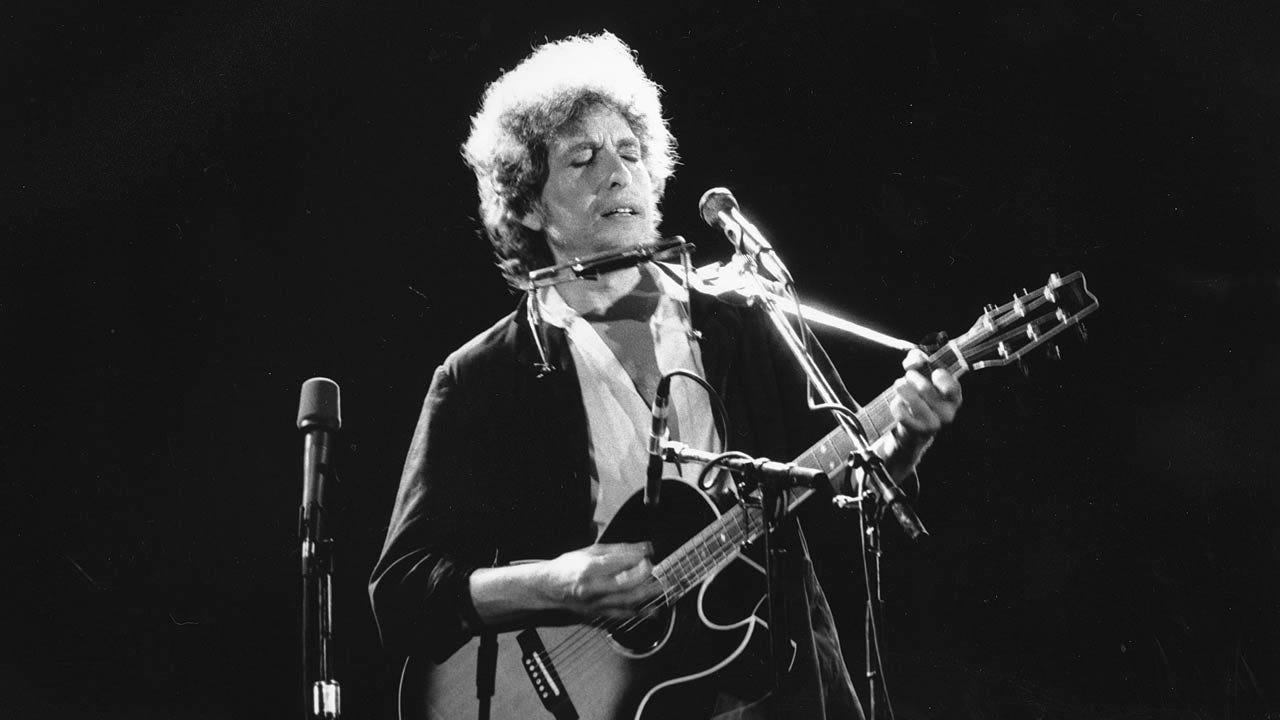 Bob Dylan Wins 2016 Nobel Prize In Literature