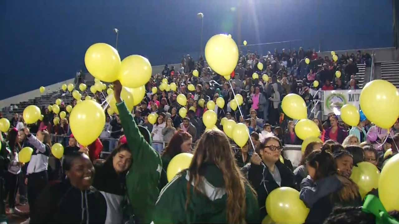 Muskogee Community Remembers Student's Life At Football Game