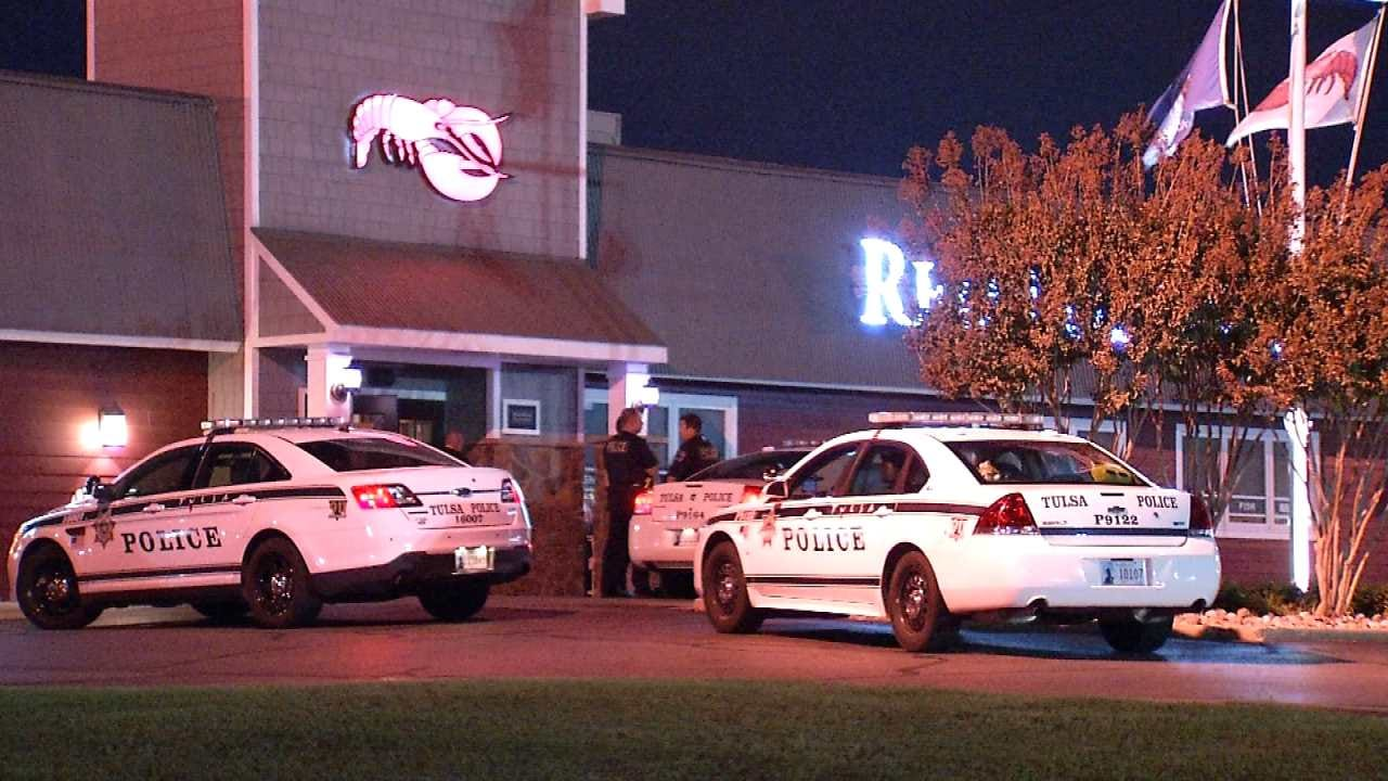 Armed Robber Hits Tulsa Red Lobster