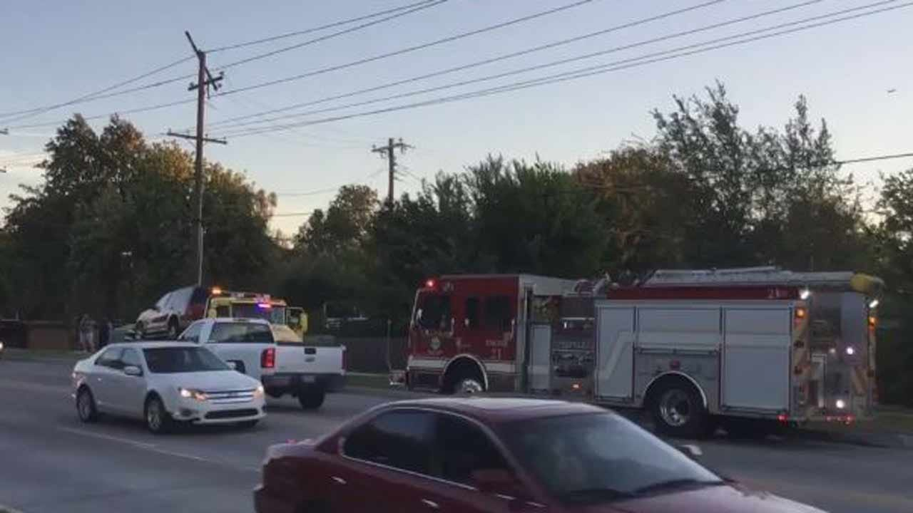 SUV Hits Pole, Knocks Out Power To Tulsa Customers