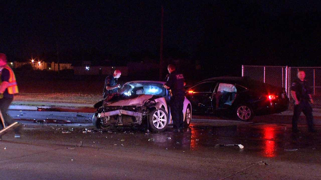 Police Searching For Drivers Who Ran Following 3-Car Crash