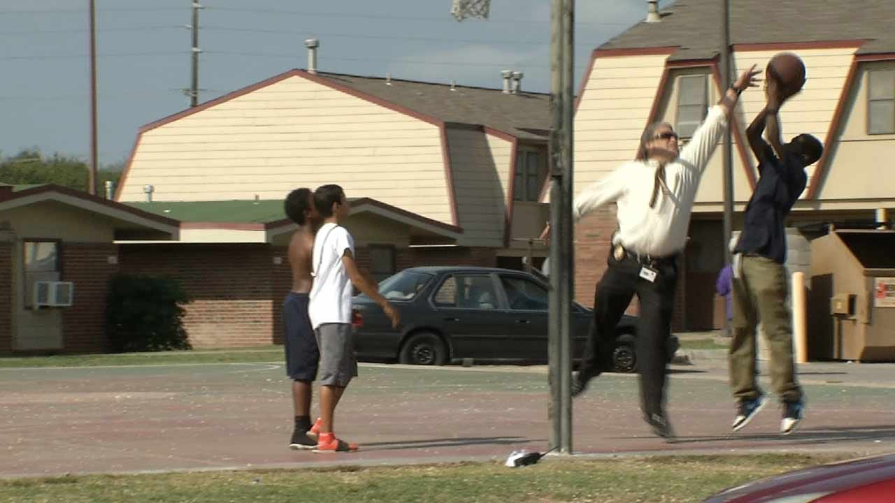 TPD Lead Homicide Detective Takes Timeout To Connect With Kids