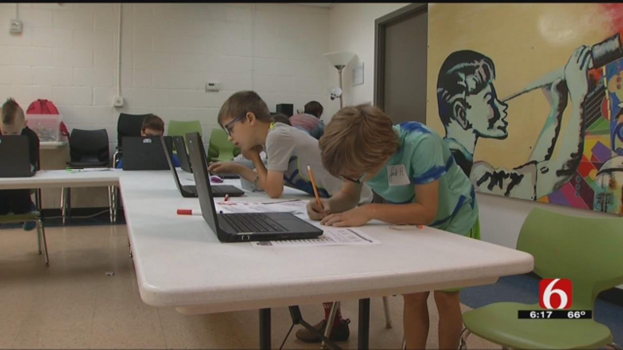 Tulsa Kids Learn Computer Coding At Museum's Camp