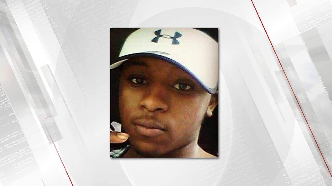 Police Seek Teen In Death Of Tulsa High School Football Player