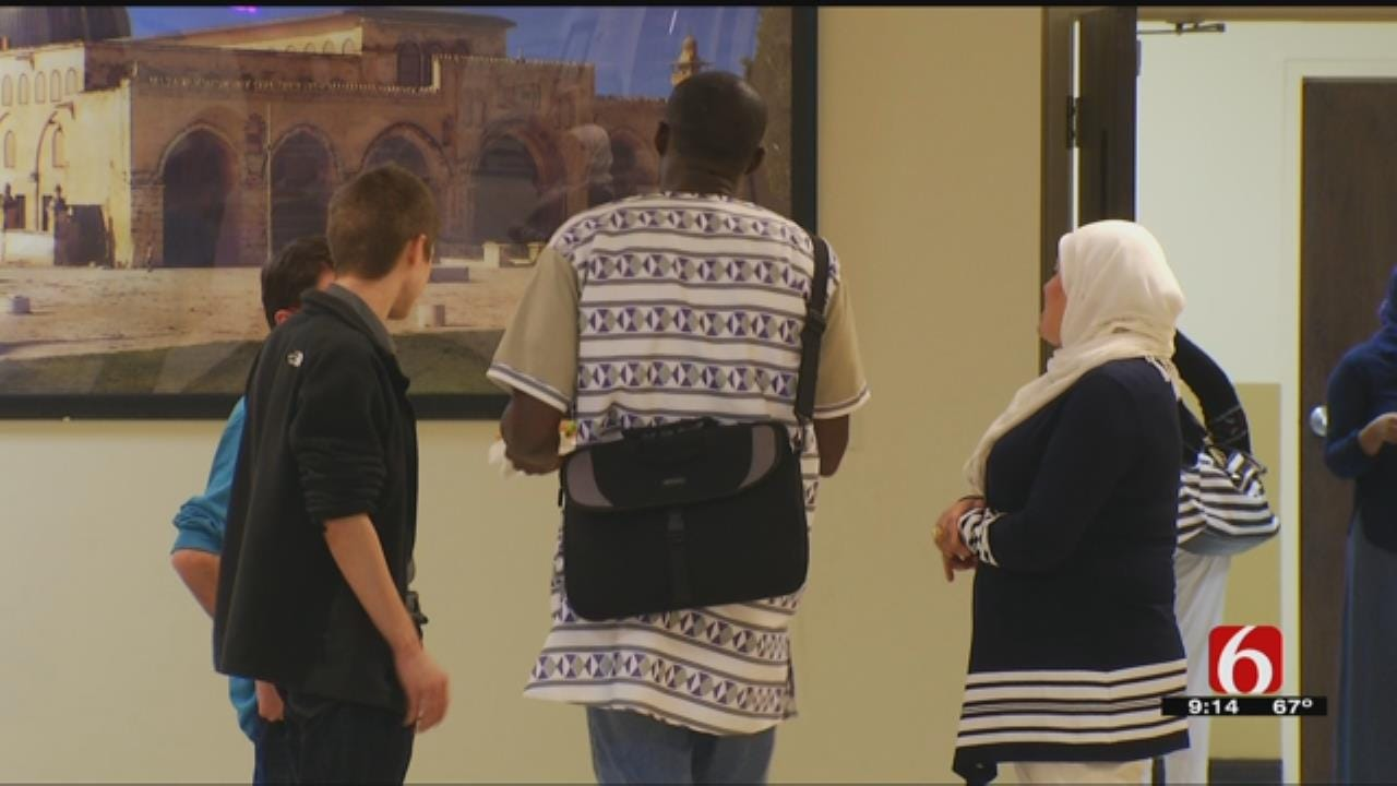 Oklahoma Islamic Mosques Hold Open House For Visitors