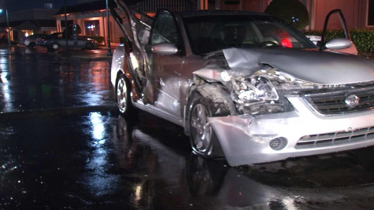 Tulsa Police: Good Samaritan's Car Rammed Outside Pub
