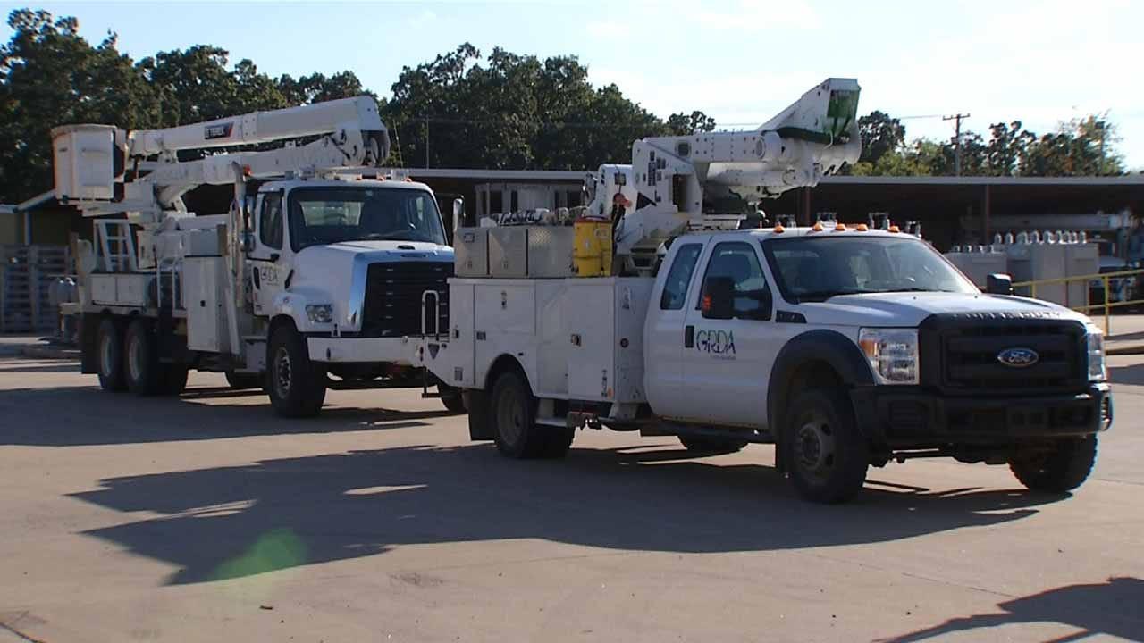 Oklahomans Line Up To Help With Hurricane Matthew Relief
