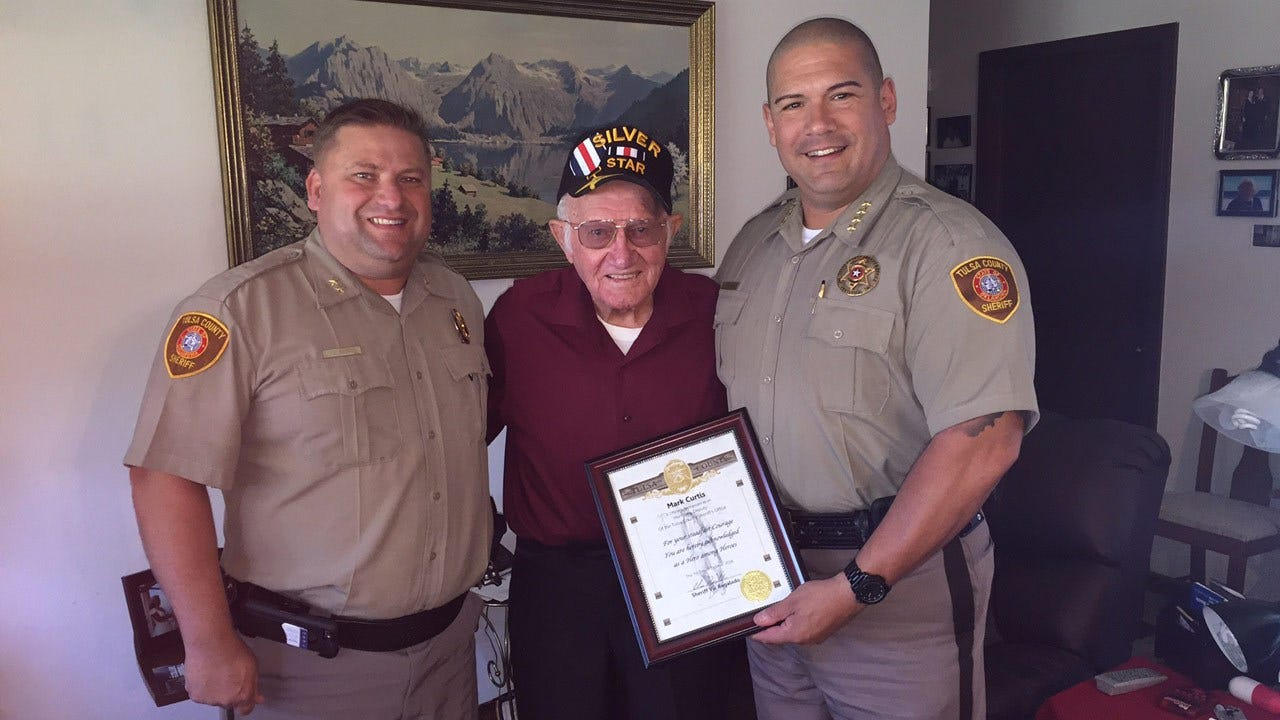 Tulsa County Sheriff Honors WWII Veteran For His Courage
