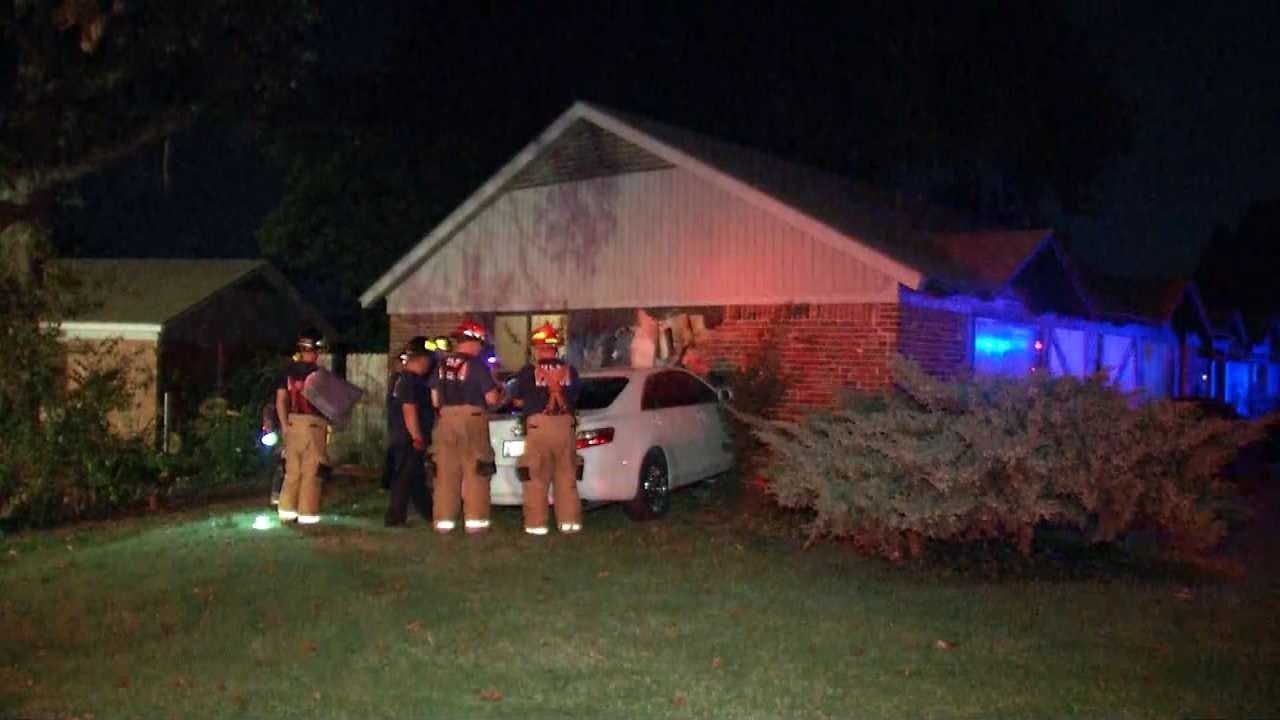 Driver Who Hit Tulsa House Says He Was Being Chased, Police Say