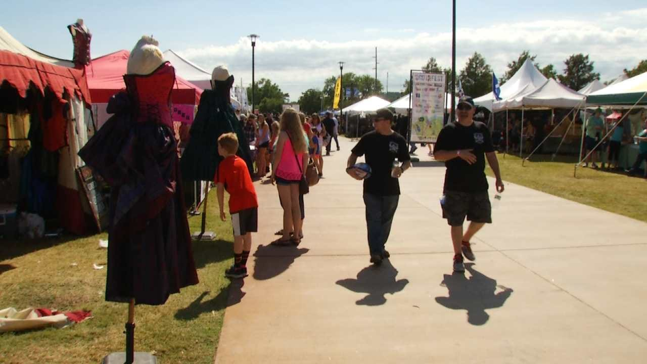 Tulsa's ScotFest Draws Thousands To River Parks