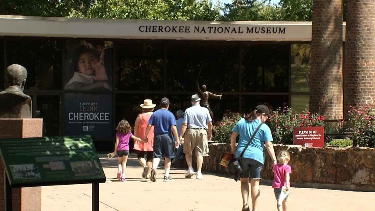 Thousands Flock To Tahlequah For Cherokee National Holiday