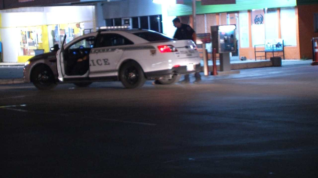 Police Looking For Pair In Tulsa Armed Robbery