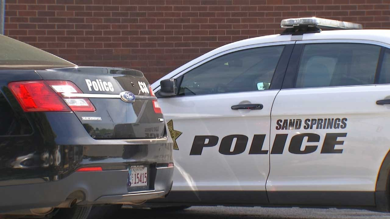 Sand Springs Police Hope 'Pop With A Cop' Program Strengthens City
