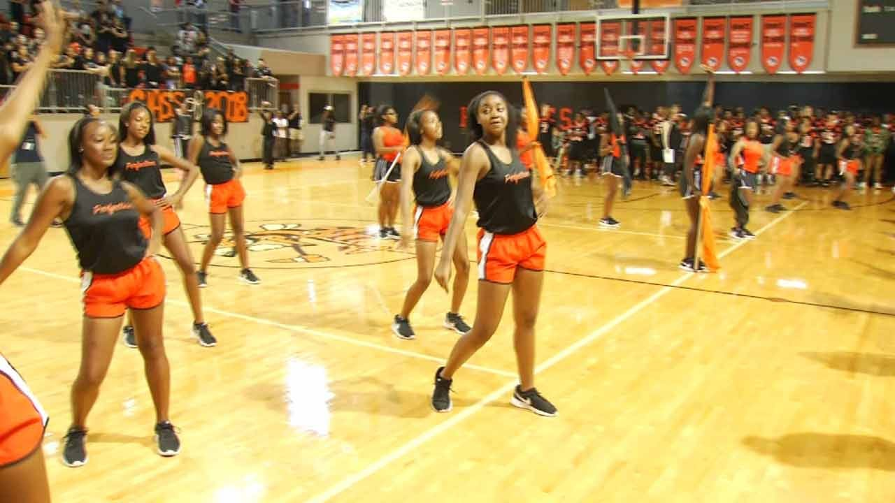 Booker T. Seniors Send Message By Going Silent At Pep-Rally