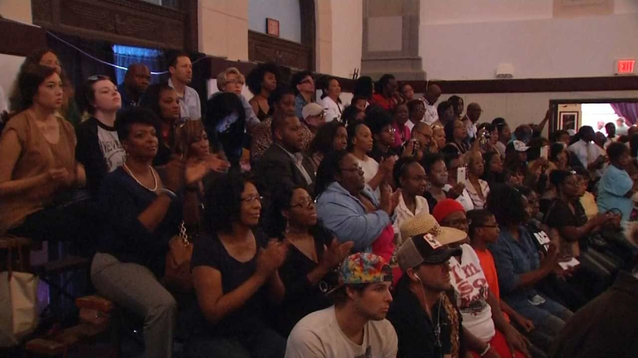Sharpton Urges Passionate Crowd To Continue Pushing For Change