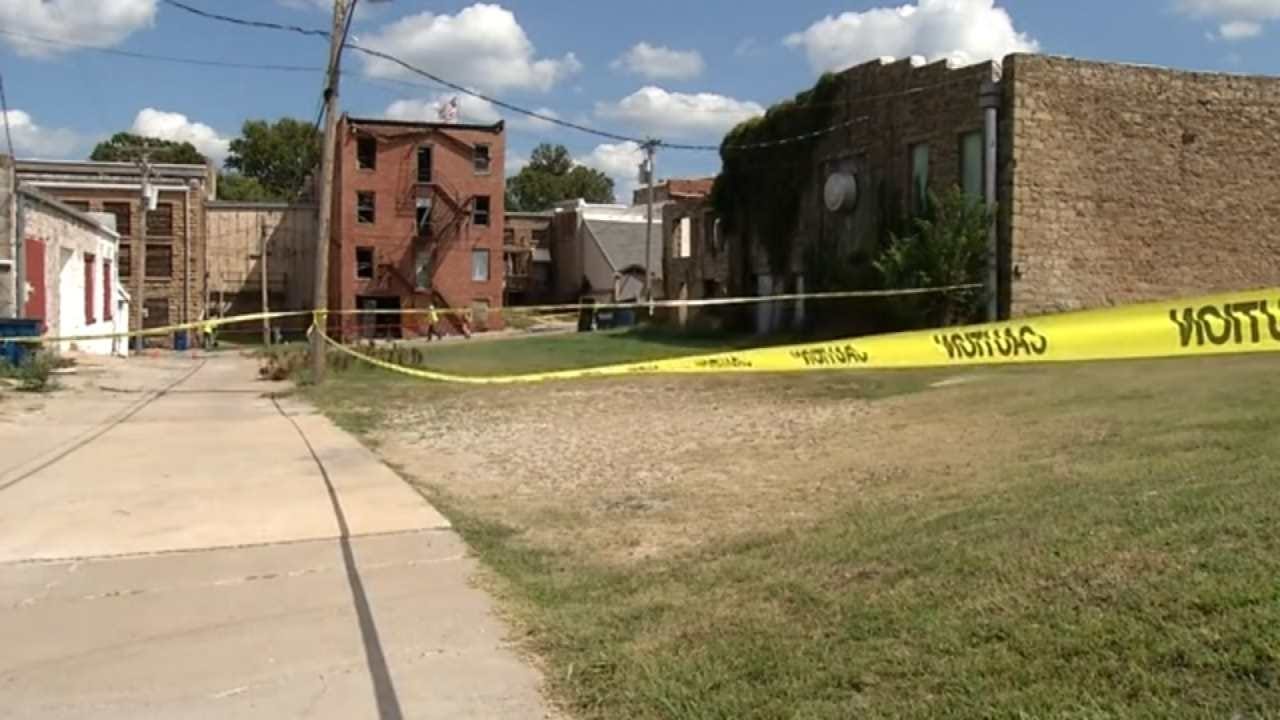 Pawnee Diagnosing Damage After Earthquake