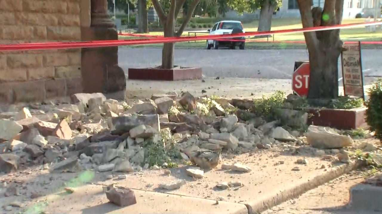 Several Downtown Pawnee Buildings Damaged In Earthquake