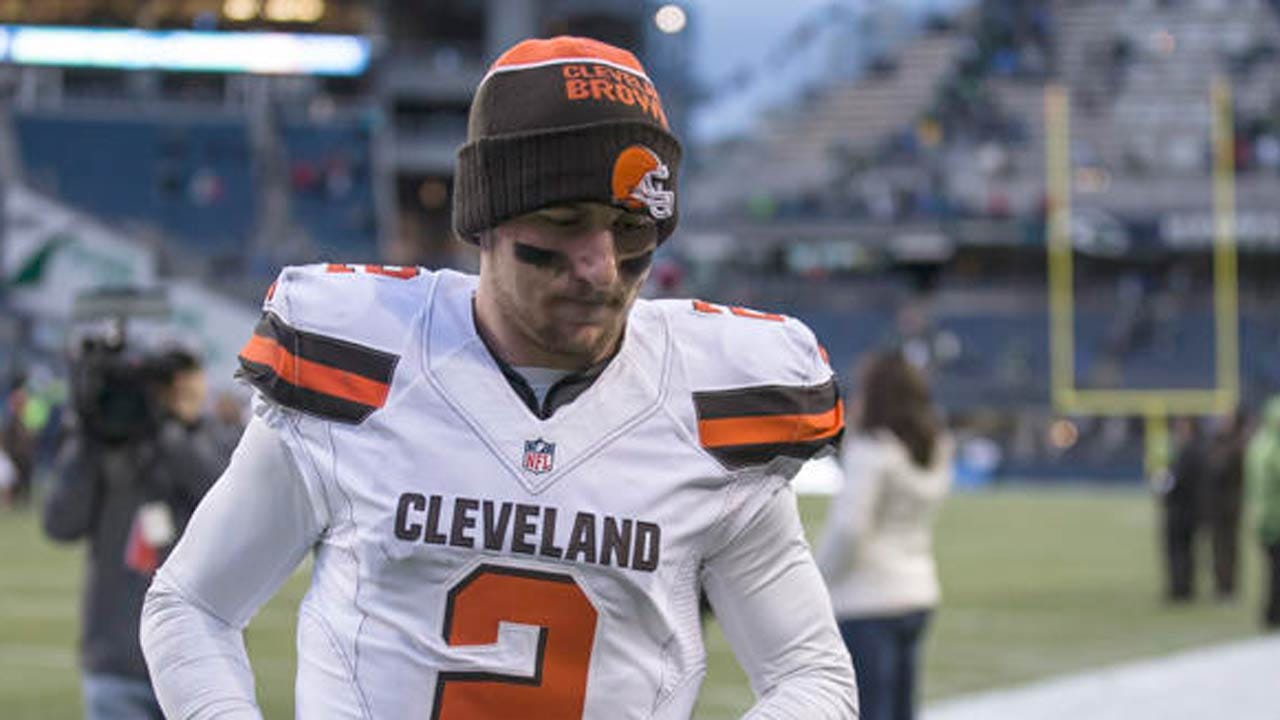 Johnny Manziel Re-Enrolls At Texas A&M After NFL Career Derailed