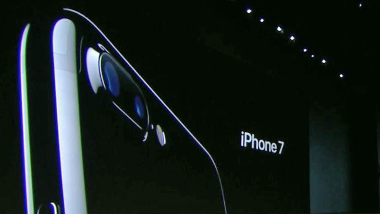 Apple Unveils New iPhone 7 And Apple Watch