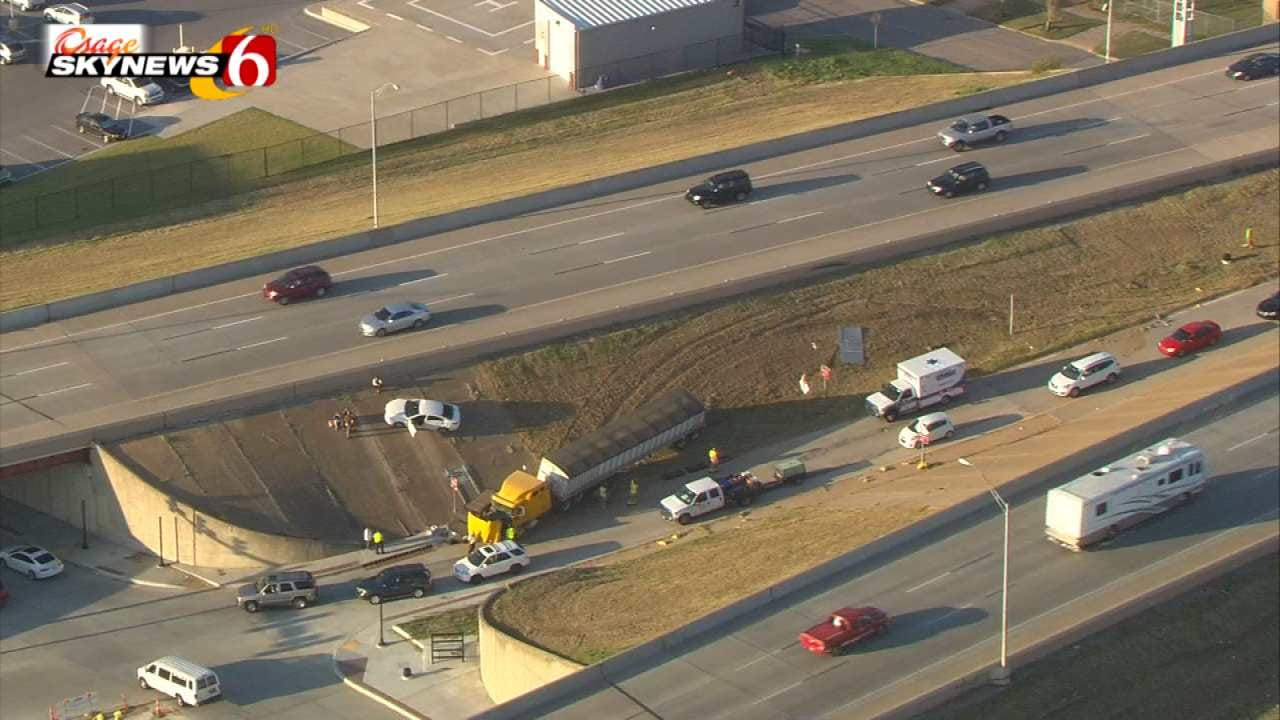 Multi-Vehicle Crash Blocks Downtown Tulsa I-244 Exit Ramp