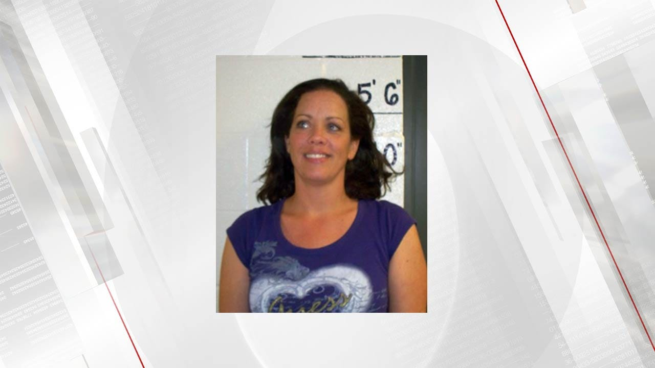 Mayes County Looking For Woman Who Dragged, Injured Deputy