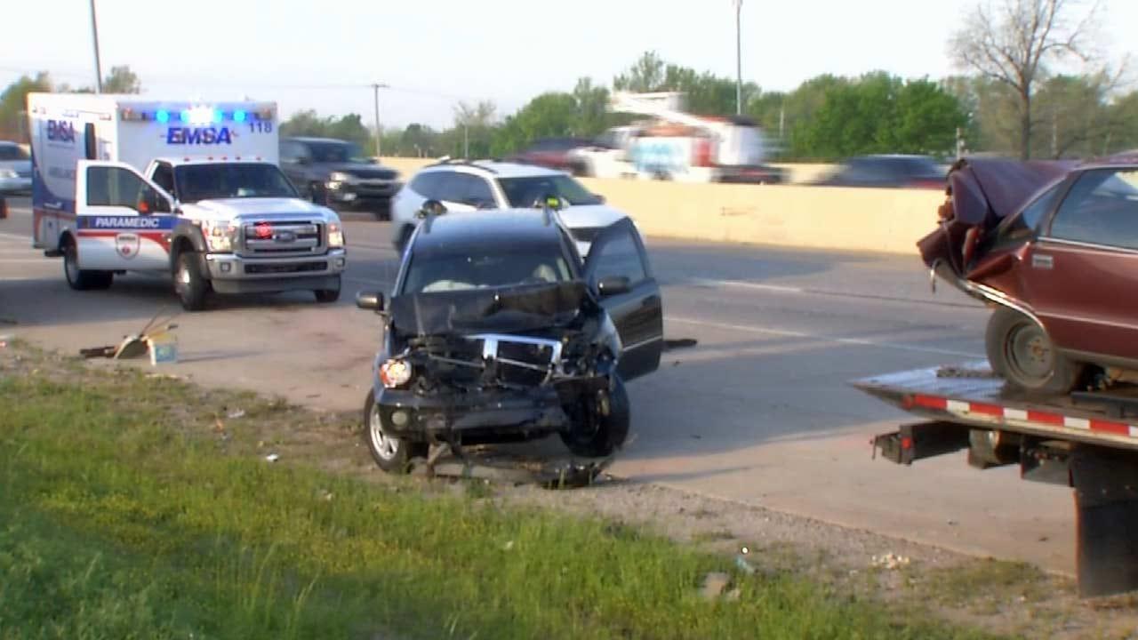 Six Injured In Tulsa Rush Hour Crash On Highway 169