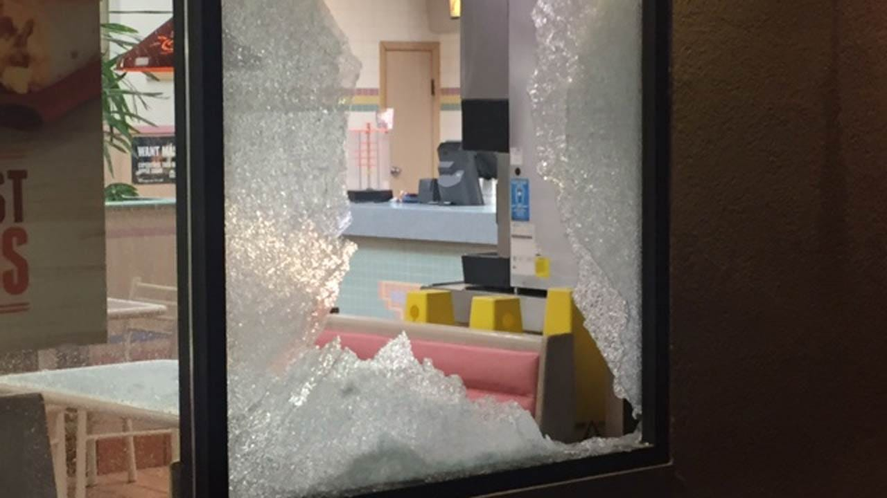 Window Shot Out During Tulsa Restaurant Robbery Attempt
