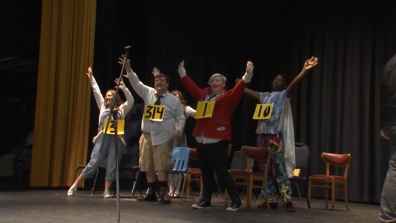 The Show Goes On For Henryetta Performing Arts Students Despite Budget Cuts