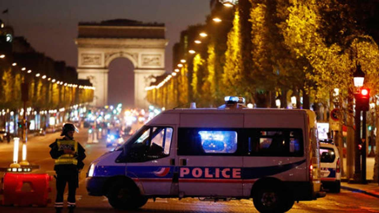 Paris Police Officer Killed In Shooting On Champs-Elysees