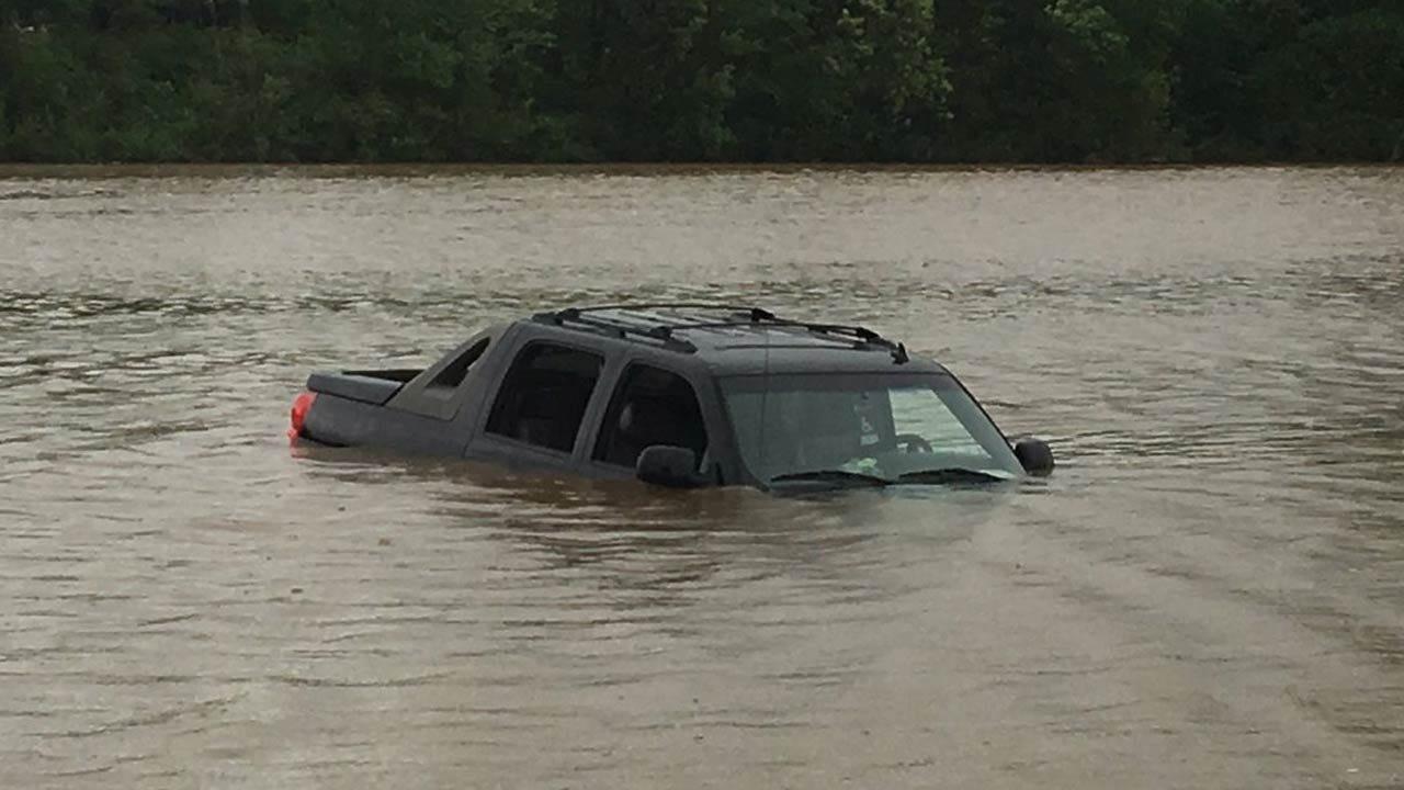 Pickup Ends Up In Sahoma Lake