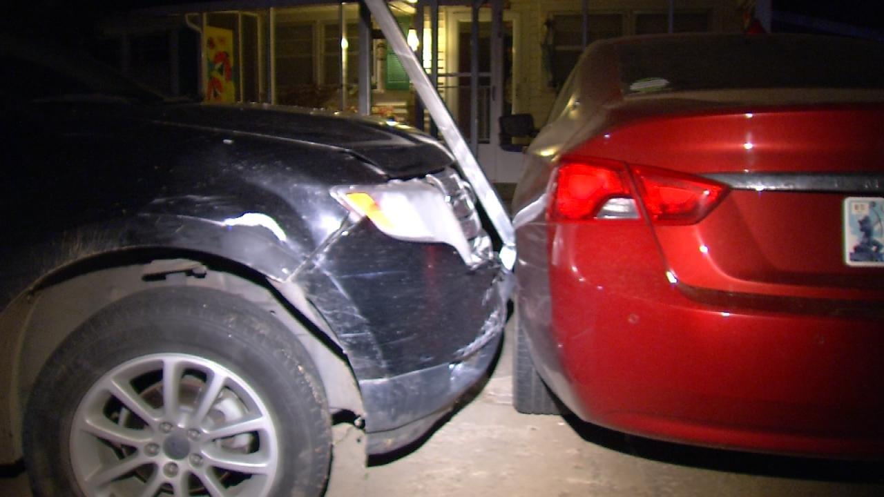 Suspect Crashes Into Carport During Sapulpa Chase