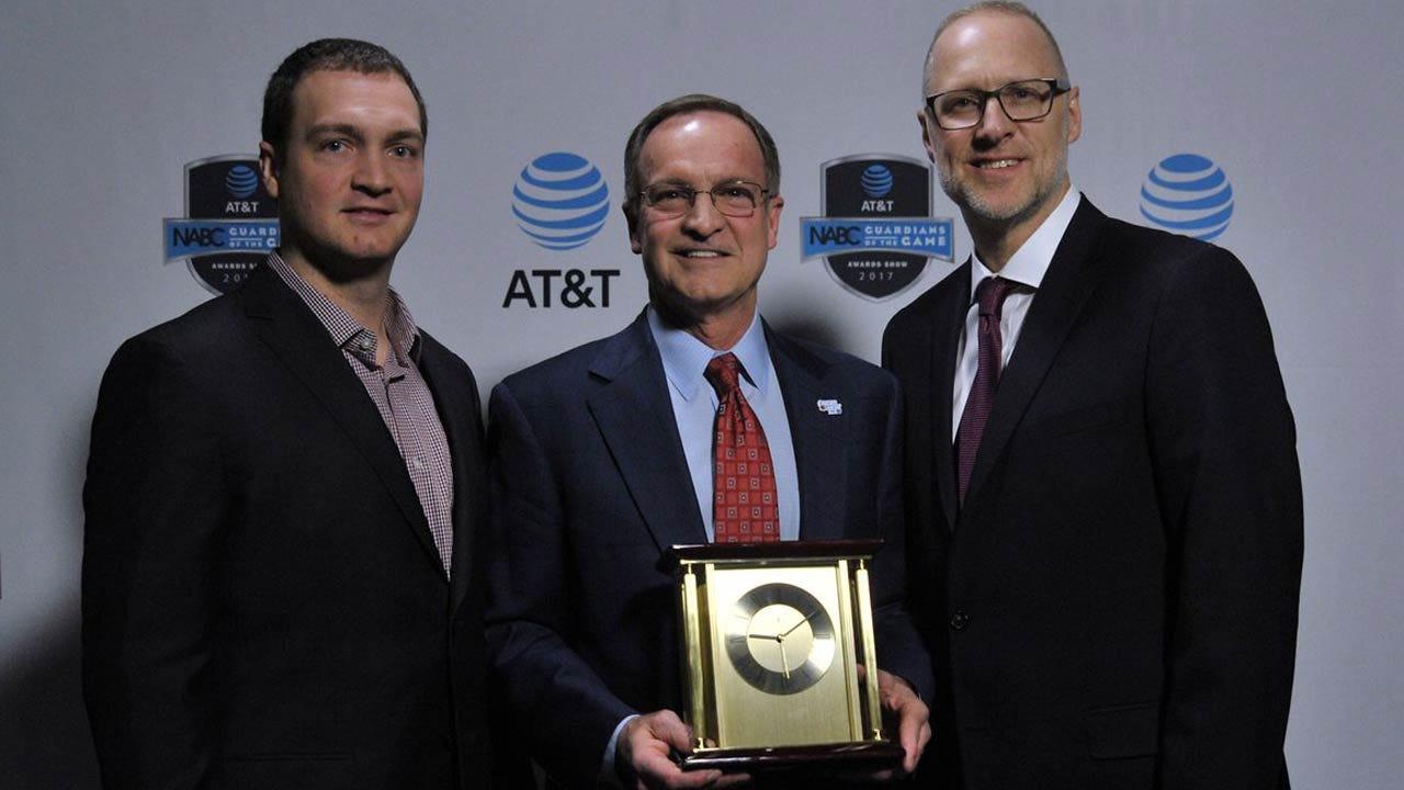 OU Hoops: Lon Kruger Honored For Career Service