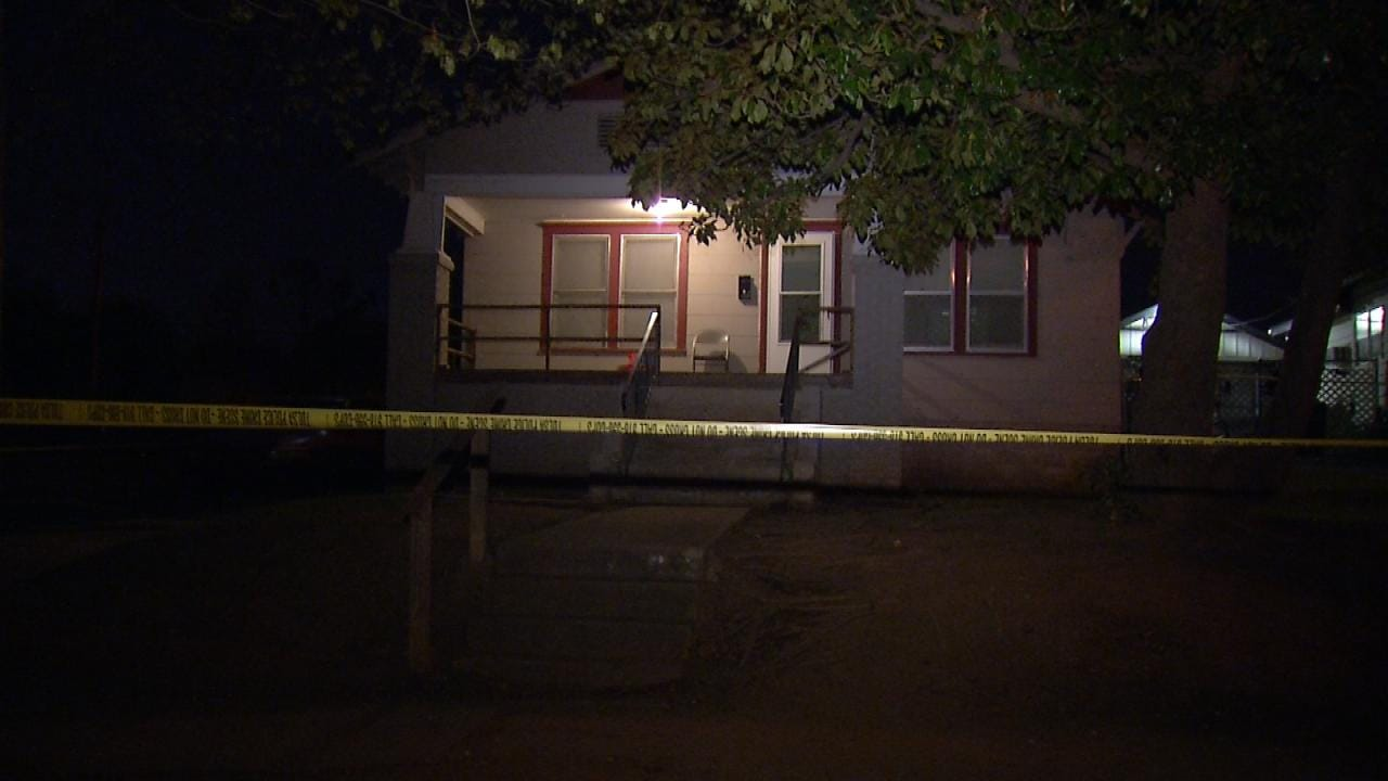 Police: Man Stabbed After Breaking Into Tulsa Home