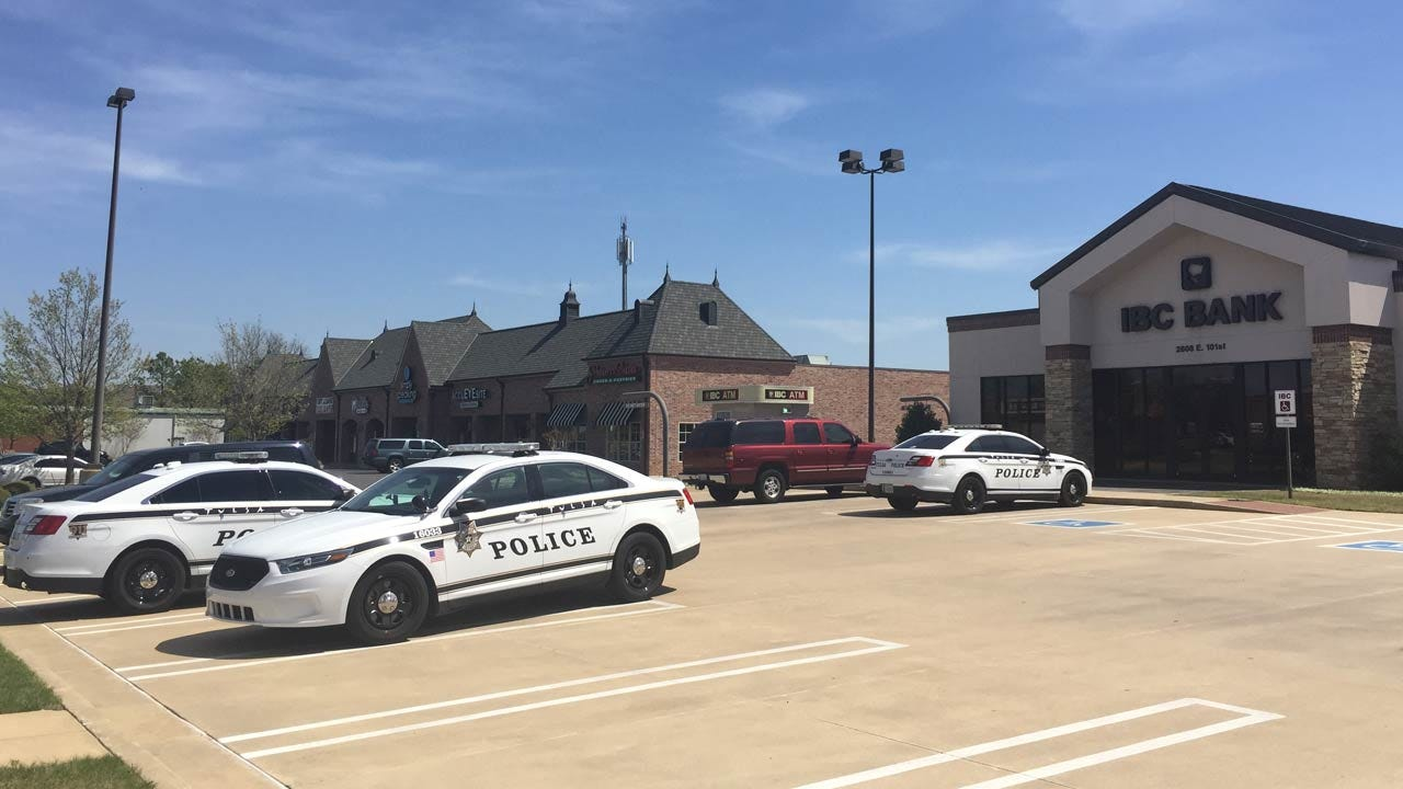 Suspected Tulsa Bank Robber Leaves Empty-Handed