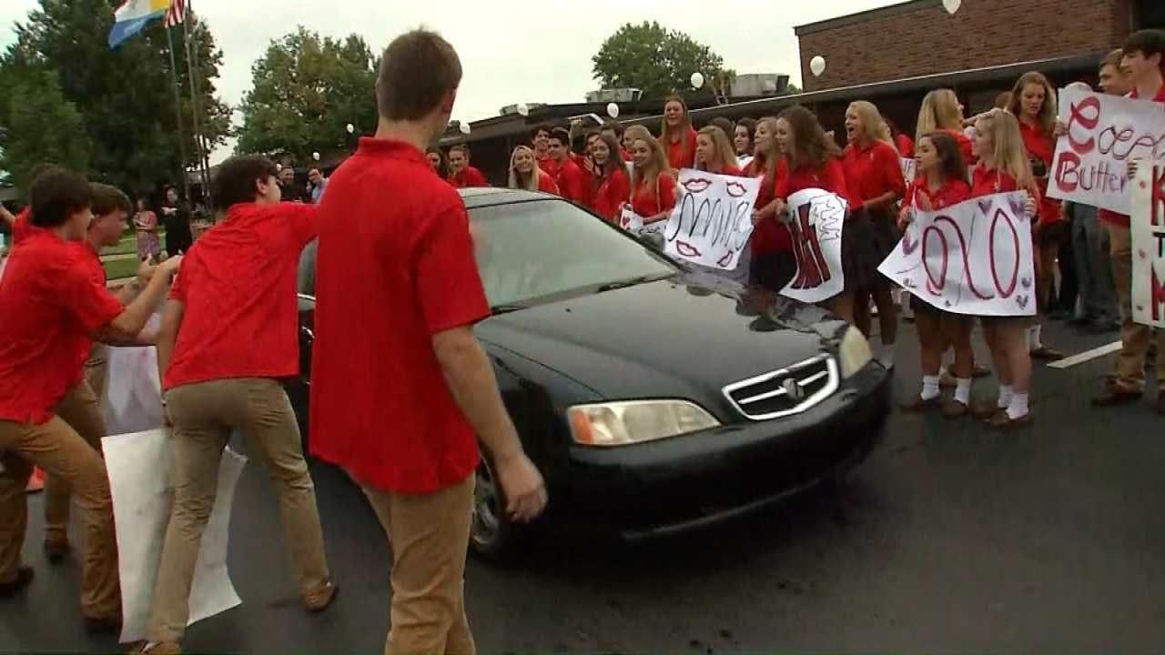 'Kiss Mom Goodbye' On First Day At Tulsa's Bishop Kelley High School