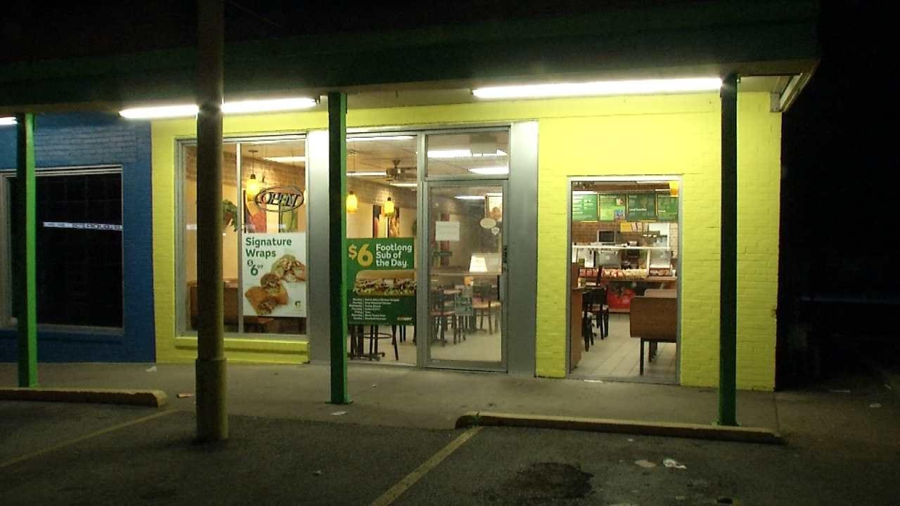 Man Armed With Knife Robs Tulsa Subway Restaurant