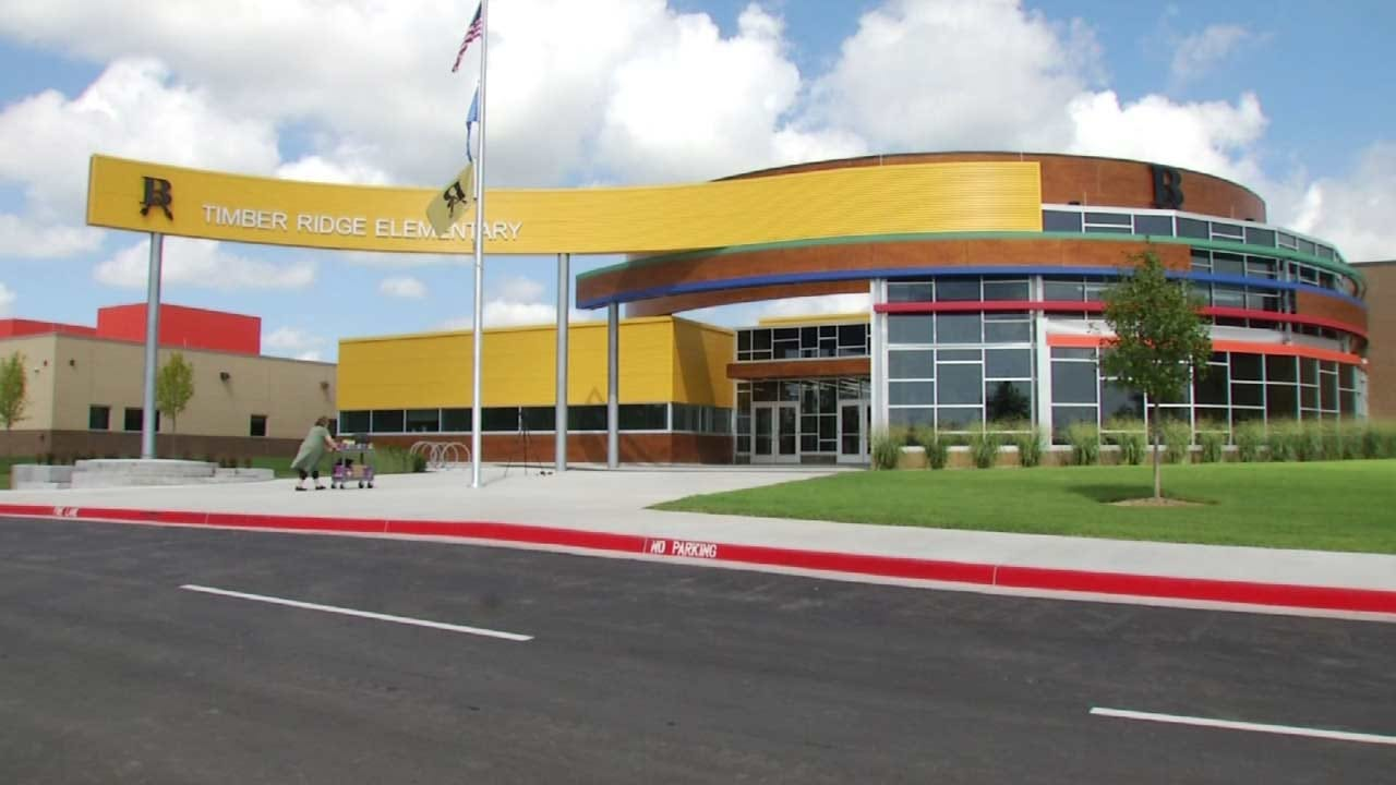 About 600 Students Attend Broken Arrow's Newest Elementary School